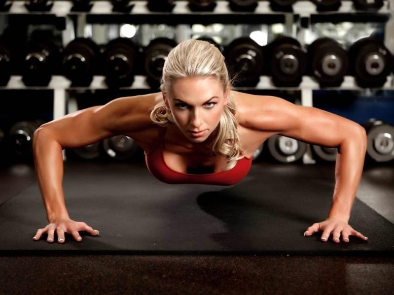 Как увеличить грудь девушке с помощью упражнений.
